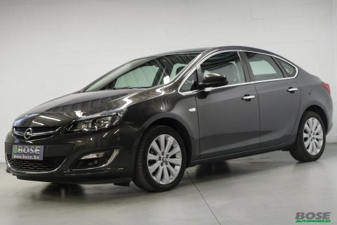 Opel Astra 1.4i Cosmo